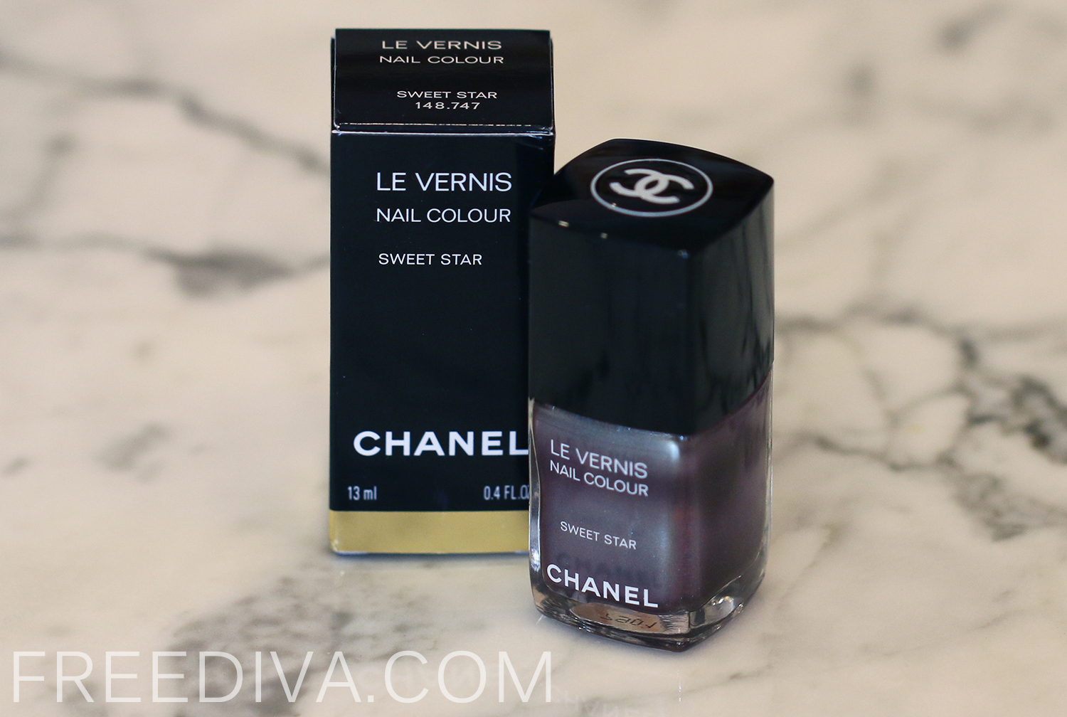 Chanel Sweet Star (Limited Edition) Le Vernis Nail Color