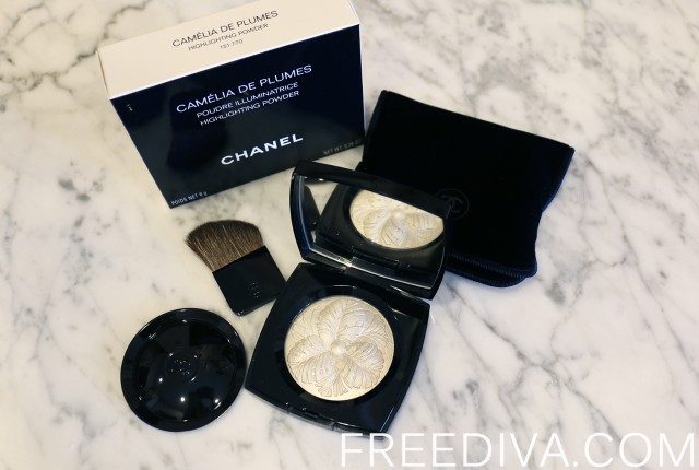 Chanel Camelia de Plumes Highlighting Powder