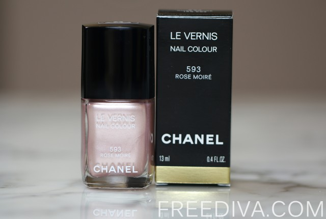 Chanel Rouge Moire (595) Le Vernis Nail Color