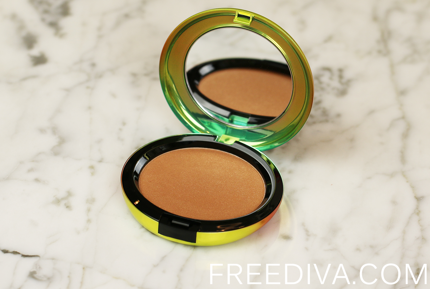 MAC Refined Golden Bronzing Powder Wash and Dry Collection